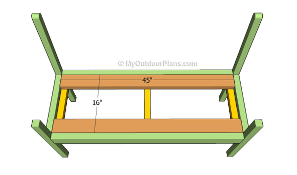 Attaching the bench support