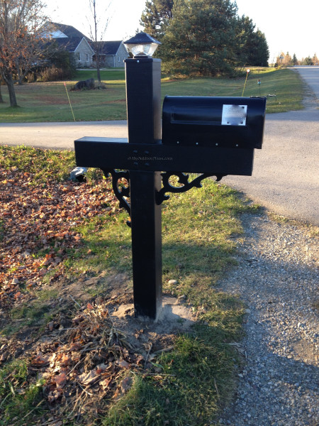 Mail box post