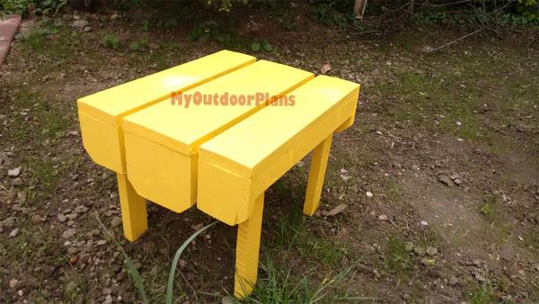 Adirondack-table