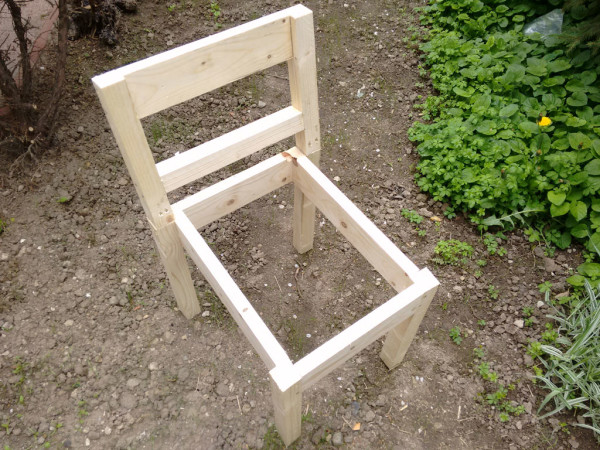 Building-a-garden-chair