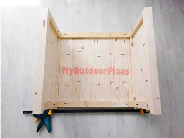 Assembling-the-cabinet