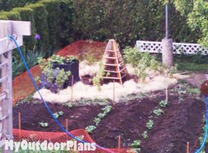 Building-a-strawberry-planter