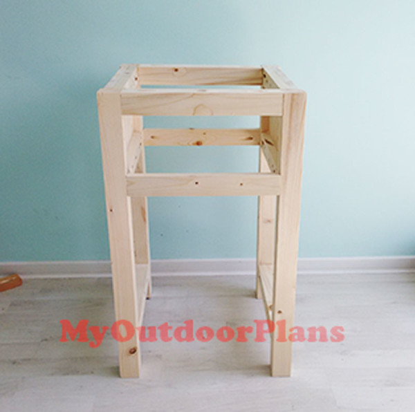 Building-the-frame-of-the-nightstand