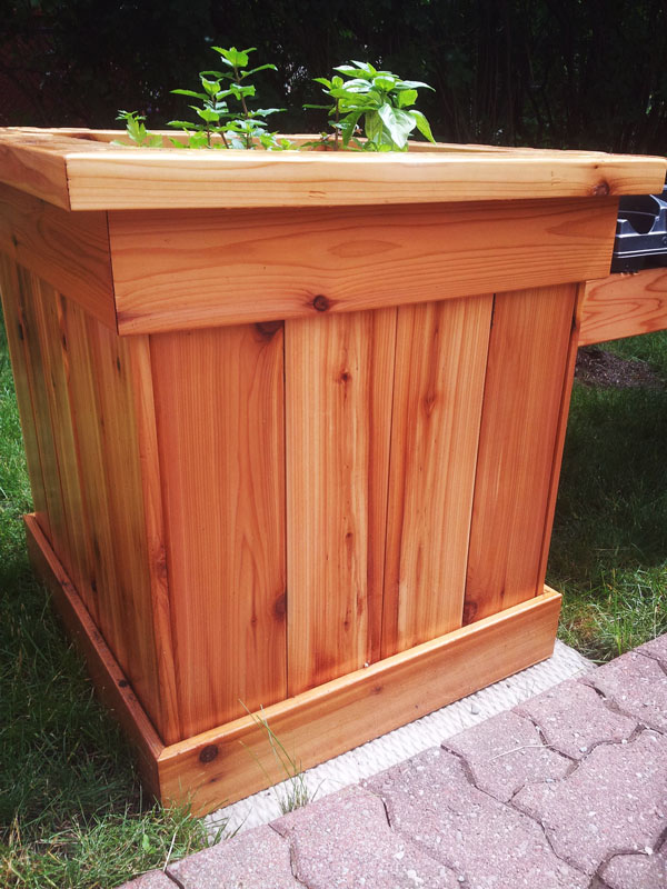 DIY Corner Planter Bench | MyOutdoorPlans | Free Woodworking Plans and Projects, DIY Shed ...