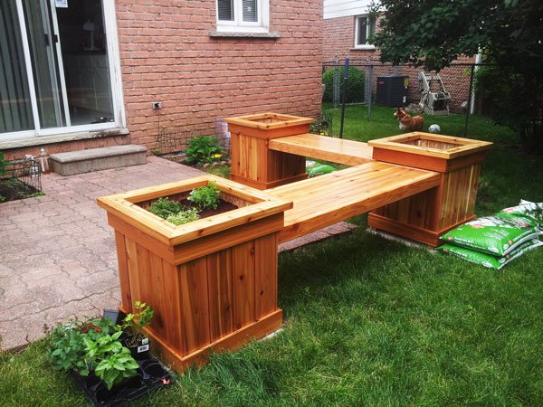 DIY Corner Planter Bench | MyOutdoorPlans | Free Woodworking Plans and ...