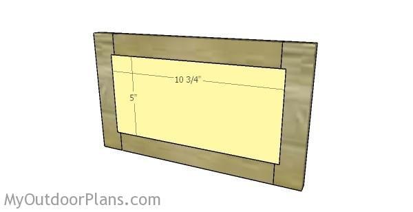 Attaching the top door panel