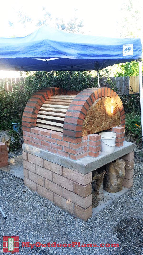 DIY Brick Pizza Oven | MyOutdoorPlans | Free Woodworking ...