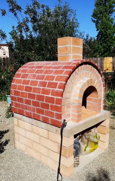 Diy brick pizza oven myoutdoorplans free woodworking for Brick garden shed designs