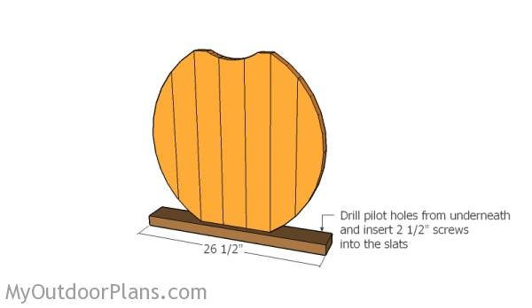 Assembling the halloween pumpkin