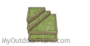 DIY tiered raised garden bed