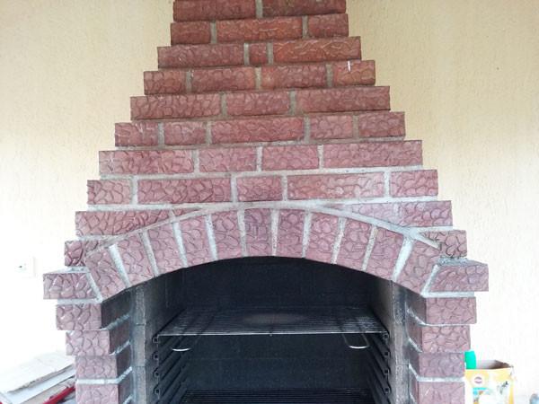 Building-a-brick-bbq