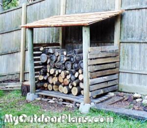 DIY-Small-Pallet-Shed