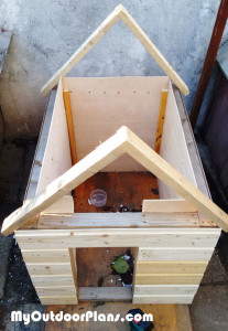 Fitting a dog house roof
