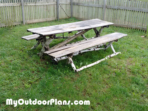DIY Log Picnic Table