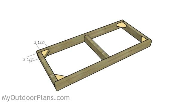 Fitting the corner braces