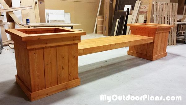 Wood-planter-bench