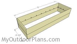 Assembling the frame of the planter box