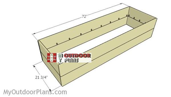Assembling-the-frame-of-the-planter