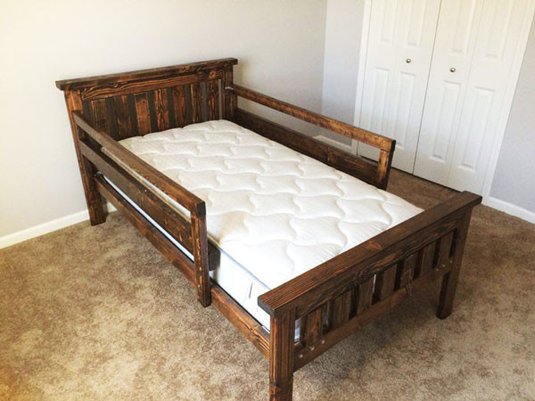 Diy 2x4 farmhouse bed myoutdoorplans free woodworking for Farmhouse bed plans