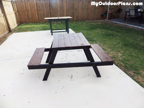 DIY Wood Kids Picnic Table