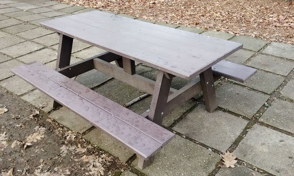 DIY Picnic Table For Kids