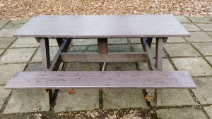 DIY-Wooden-Picnic-Table