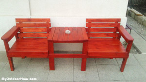 Double-chair-bench-with-table