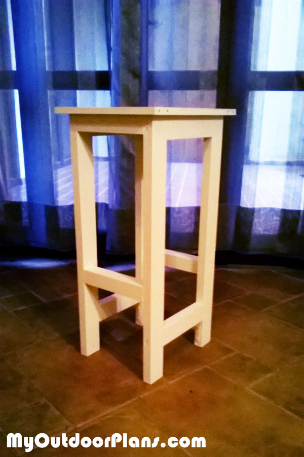 Wooden-Bar-Stool