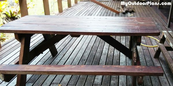 DIY-Wood-Picnic-Table