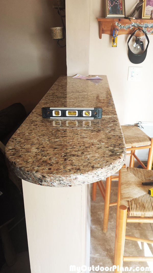 Installing-the-granite-countertop