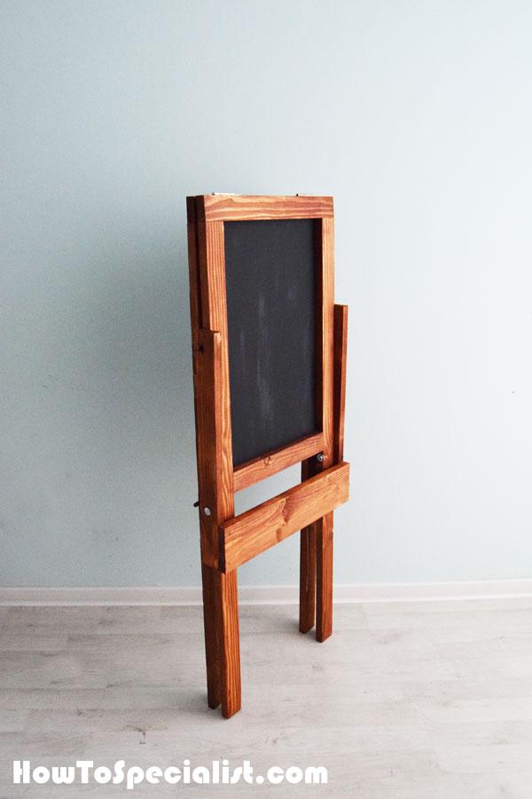 Kids-chalkboard-easel---Folded