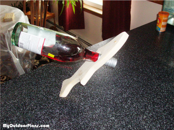 Build-a-wine-bottle-fish-rack