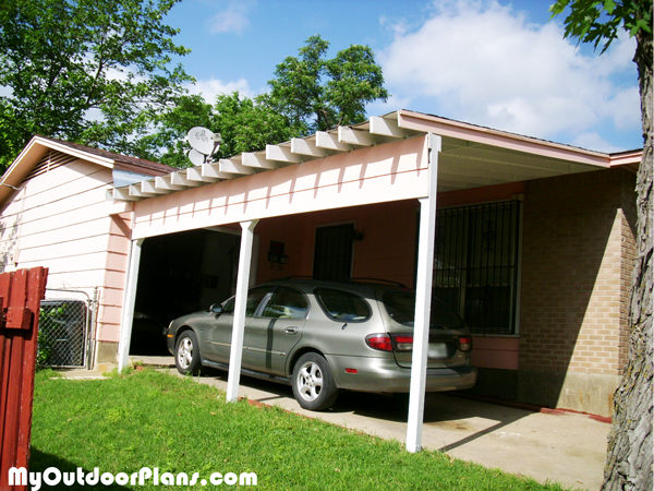 Diy carport attached to house myoutdoorplans free for Carport with storage shed attached