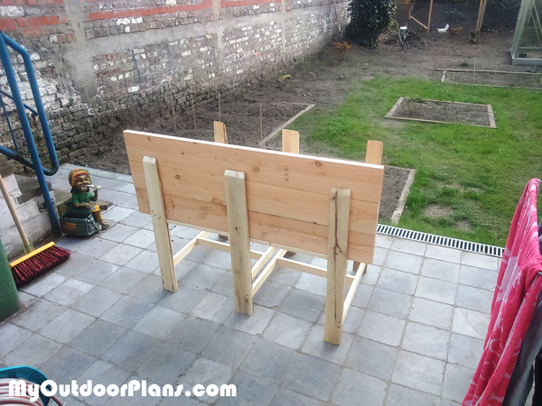 Building-an-elevated-planter