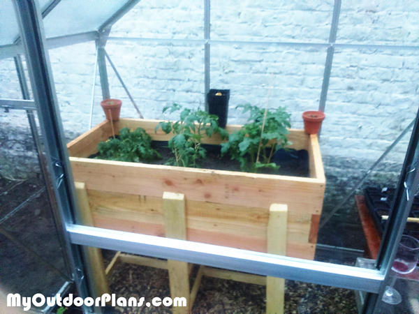 Building-an-elevated-raised-garden-bed