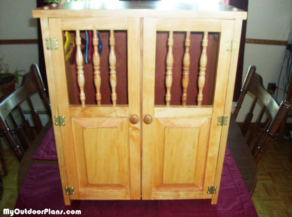 DIY-Armoire-for-18-doll