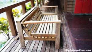 DIY-Backyard-Sofa