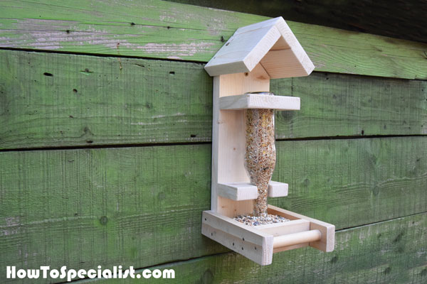 DIY Bottle Bird Feeder