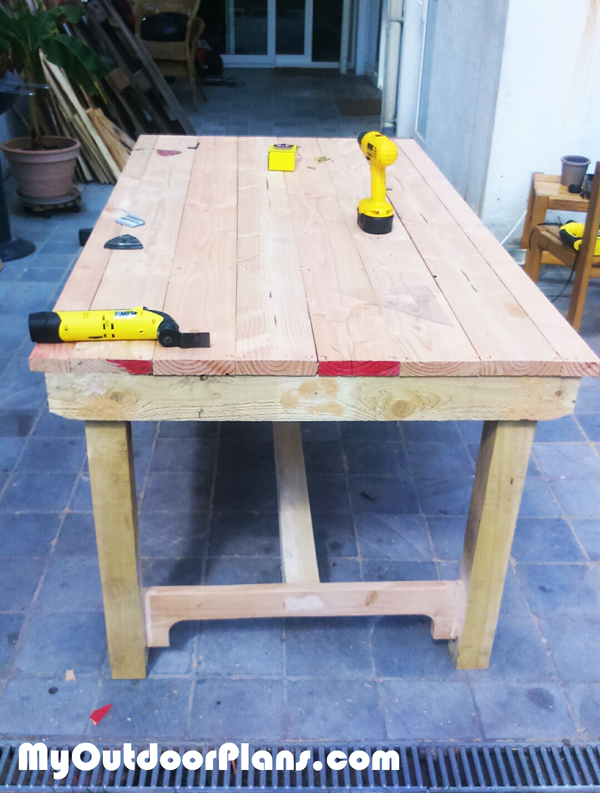 DIY-Outdoor-Table