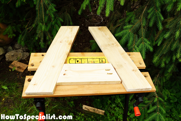 Building-the-sides-for-the-outdoor-table