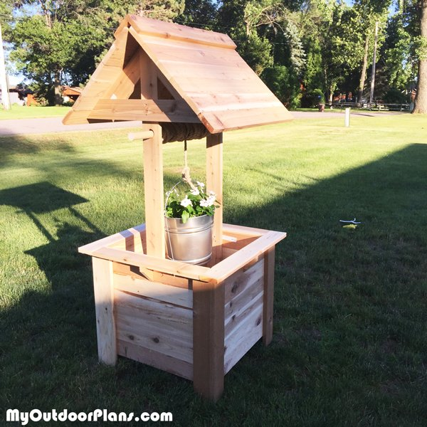 DIY Cedar Wishing Well
