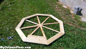Building-the-octagonal-tabletop