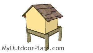 Build an insulated dog house