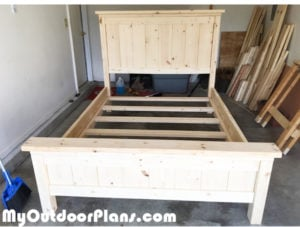 Building-a-farmhouse-bed