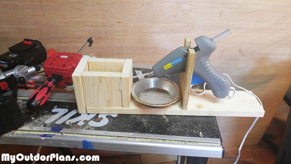DIY-Hot-glue-gun-holder