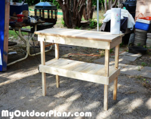 DIY-Wood-BBQ-Table