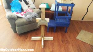 DIY-Wood-Hose-Holder