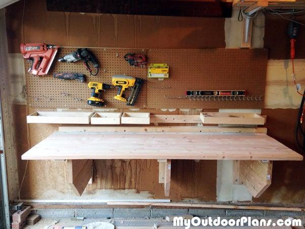 Fold-up-workbench