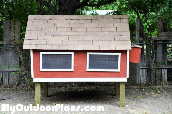 How-to-build-a-simple-chicken-coop