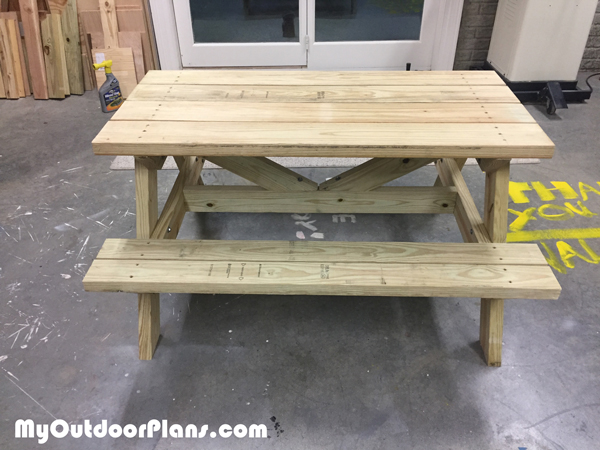 DIY Children Picnic Table